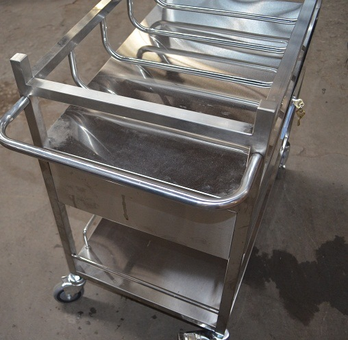 Thr Stainless Steel Bassinet Trolley with Crib pictures & photos