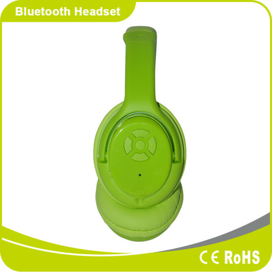 Wireless Sport Bluetooth Headsets with SD Card for Mobile Phone pictures & photos