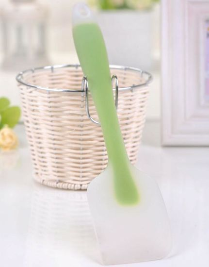 Colorful Cloudy Surface Silicone Spatula for Cream / Bread pictures & photos