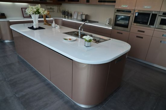 Champagne Color Metallic Lacquer Arc Shape Design Modern Kitchen Cabinet pictures & photos