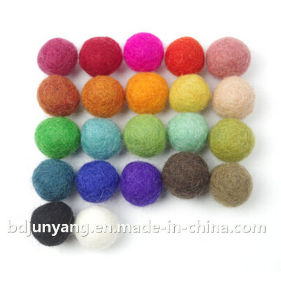 Pure Sheep Wool Hand Made Felt Color Ball pictures & photos