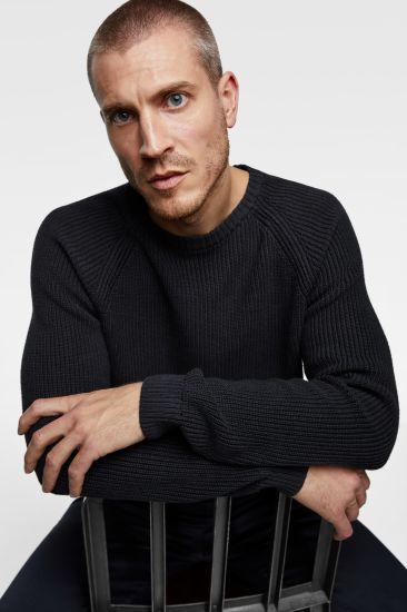 Men Round Neck Long Sleeve Fashion Casual Knitwear