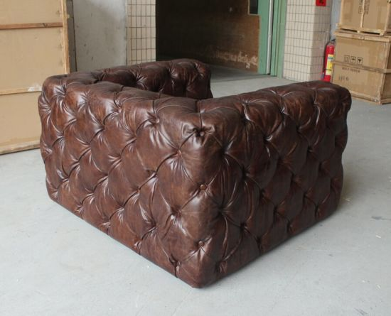 Antique Button Sofa with Armrest, Big Single Sofa pictures & photos