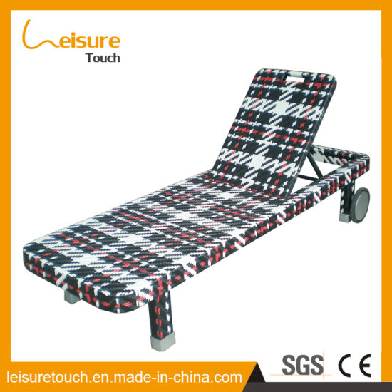 Leisure Outdoor Furniture Beach Sunbed Resort Area Rattan Lounge Chair pictures & photos