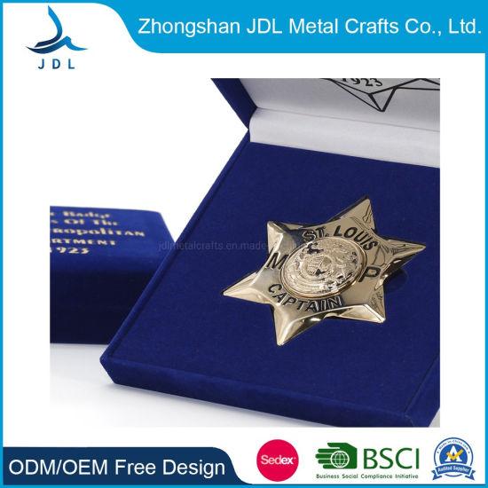 Custom Logo China Wholesale Brass 3D Gold Police Name Badge Metal Crafts Tin Button Embroidery Woven Enamel Souvenir Heart Flower Car Lapel Pin Badge (pin-01)