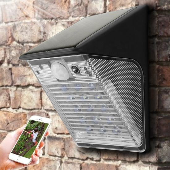2019 Best Selling Outdoor WiFi Solar PIR Floodlight Camera with Battery Video Intercom