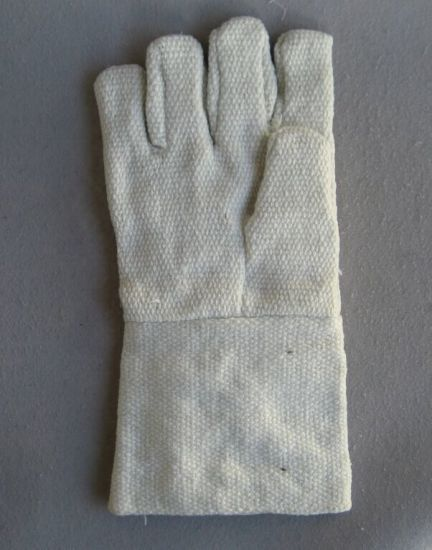 Ceramic Fiber Fireproof Cotton Working Glove Cotton Hand Glove-2321 pictures & photos