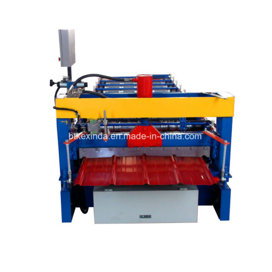 900 Color Steel Roll Forming Machine pictures & photos