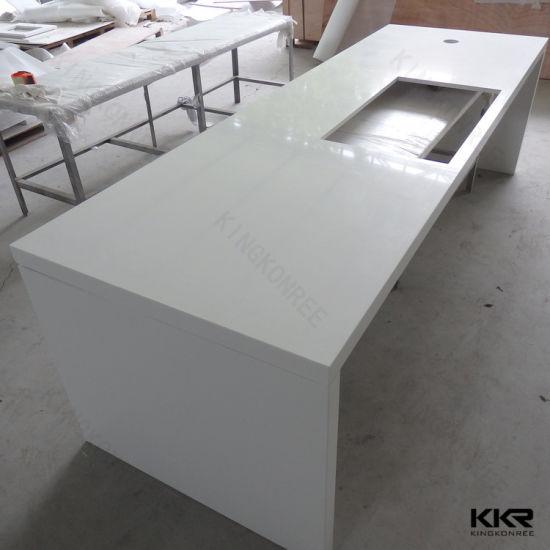 China Artificial Stone Residental Quartz Kitchen Island Countertop