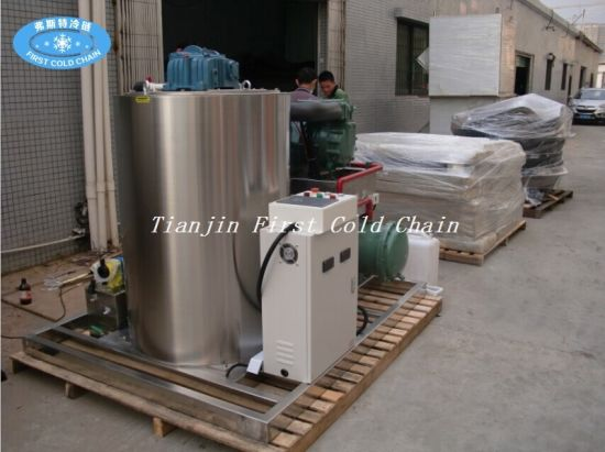 Flake Ice Maker Machine with a Large Capacity for China pictures & photos