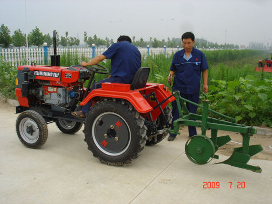 Weituo Brand Ts Series Belt Transmission Four Wheel Type Farming and Transportation Use 18-35HP Tractor Which Can Match with Different Implements pictures & photos