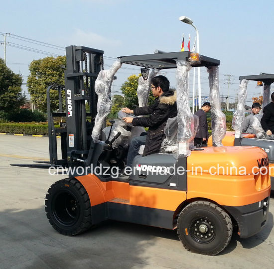 Material Loading Machine 2 Tons Forklift Truck