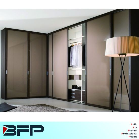China Corner Wardrobe Closet Sliding Door Furniture - China Wardrobe on