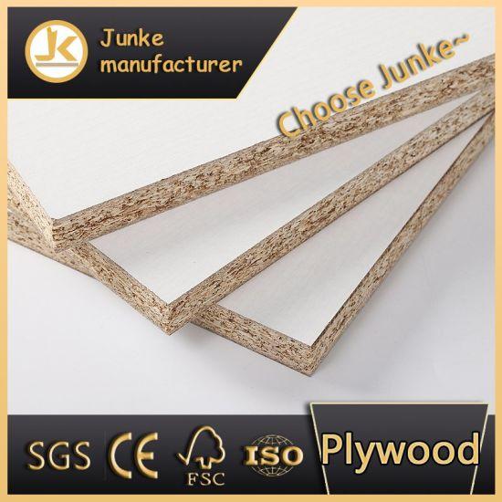 E0 E1 Melamine Glue Laminated Plywood Chipboard Furniture Grade for Indoor