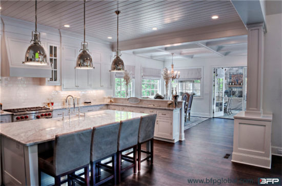 Custom Made Solid Wood Kitchen pictures & photos