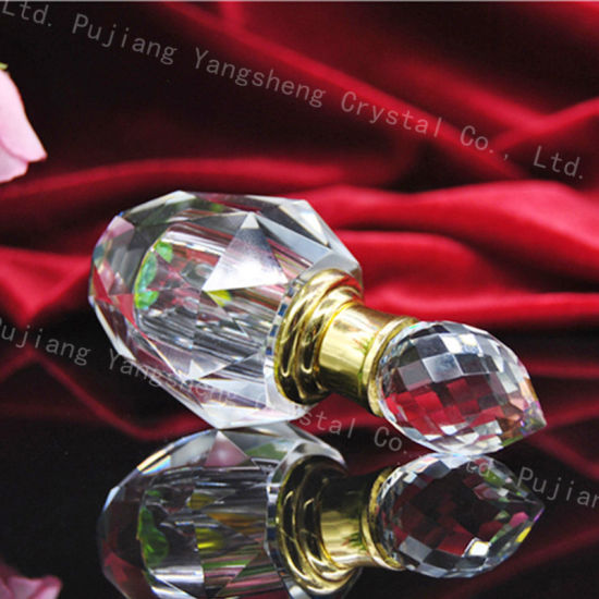 China Classic Design Transparent Crystal Glass Perfume Oil Bottle