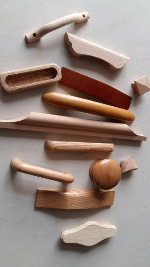 China Factory-Beech, Oak Wood Handle in Furniture Parts - China