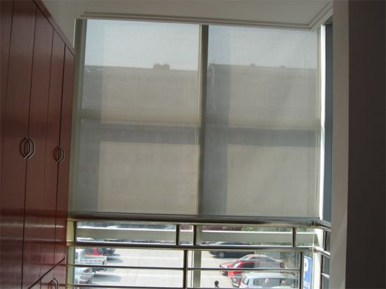 Smooth Quiet Operation System Roller Blinds pictures & photos