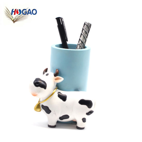 Nordic Retro Creative Design Cow Shaped Custom Decorative Desktop Pen Holder Penholder for Desk Office Pencil Holders pictures & photos