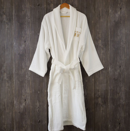 100% Cotton Terry Embrodiery Bath Robe for Star Hotel pictures & photos
