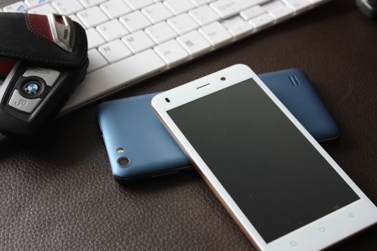 4G Cell Phone Welcome for OEM/ODM/SKD, 1+8g, 2MP+5MP Camera, 2.5g Touch Panel, 4G Smartphone, Mobile Phones