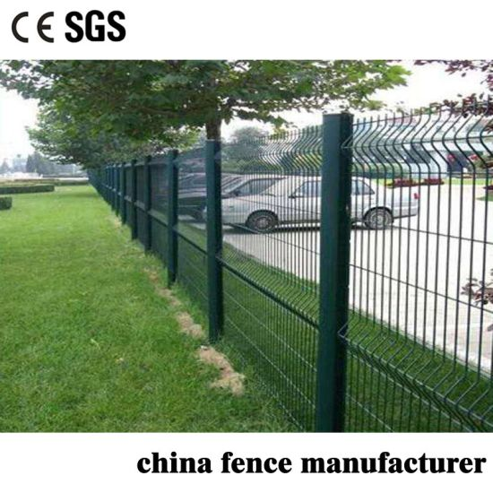 PVC Coated and Galvanized Welded Peach Shape Post Triangle Wire Mesh Fence for Farm/Ranch