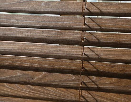 Horizon Wooden Slats Venetian Blind pictures & photos