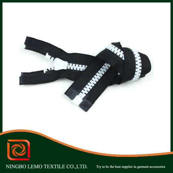 Cheap Wholesale Plastic Zipper a/L C/E