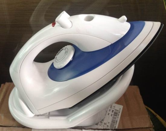 Non Stick Soleplate Vertical Cordless Steam Iron pictures & photos