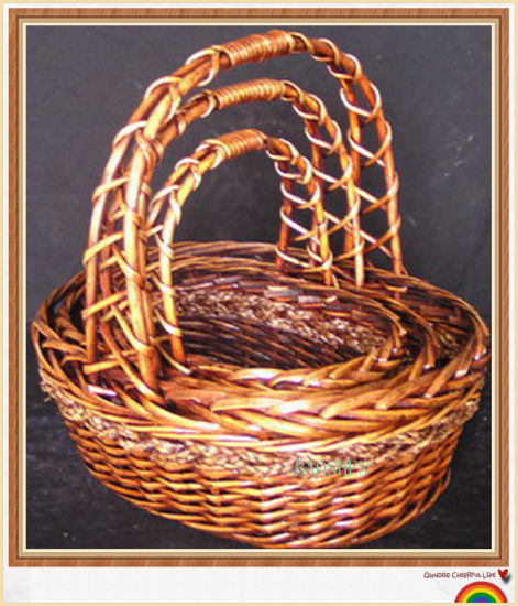 Wicker Willow Bamboo Rattan Fruit Gift Flower Picnic Basket pictures & photos