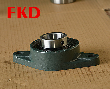 "1-1//8/"" Three Bolt Flange Bracket Bearing UCFB206-18"