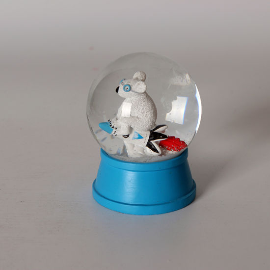 Cheap Price Resin Custom White Mouse Snow Globe for Deco pictures & photos