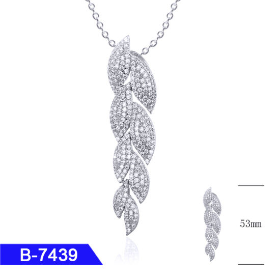New Model 925 Sterling Silver or Brass Personalized Jewelry CZ Crown Pendant for Wholesale pictures & photos