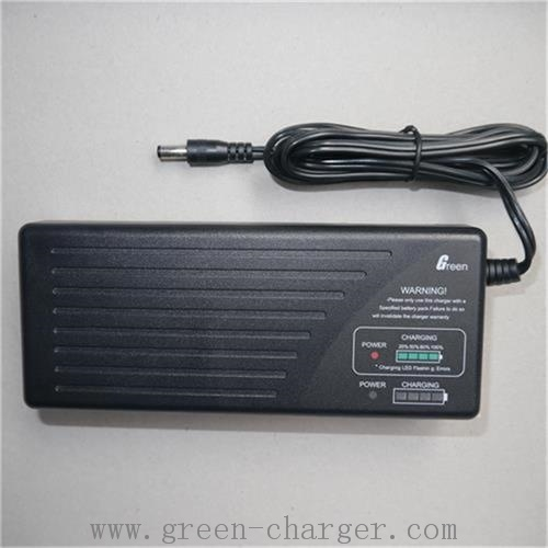 12V 5.0A Lead Acid Car Battery Charger pictures & photos