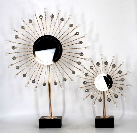 Simple and Generous Fashion Design Home Luxury Accessories Shape Sculpture Metal Tabletop Decor