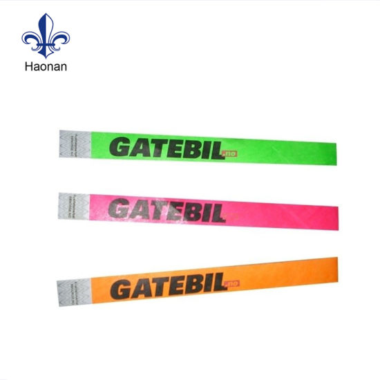 Fashion Single Time Use Professional Tyvek Wristband with Custom Logo pictures & photos