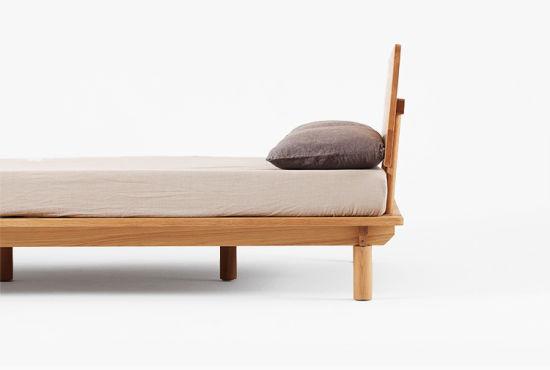 China Antique/Modern Oak Living Room Solid Wood Bed Frame - China ...