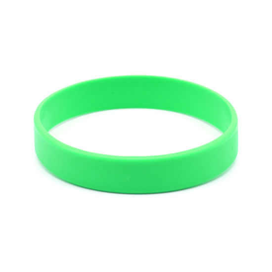 Sports Fitness Silicone Bracelets Debossed Fill Color Logo Basketball Silicone Wristbands Baller pictures & photos