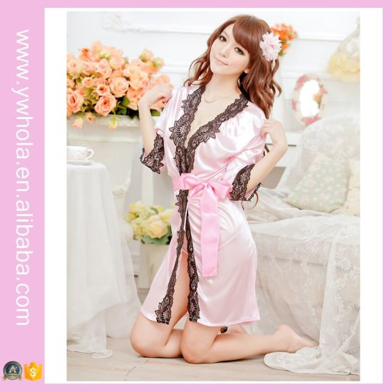 Silky Kimono Sleepwear Open Women Sexy Babydoll Lingerie with Lace Hem pictures & photos
