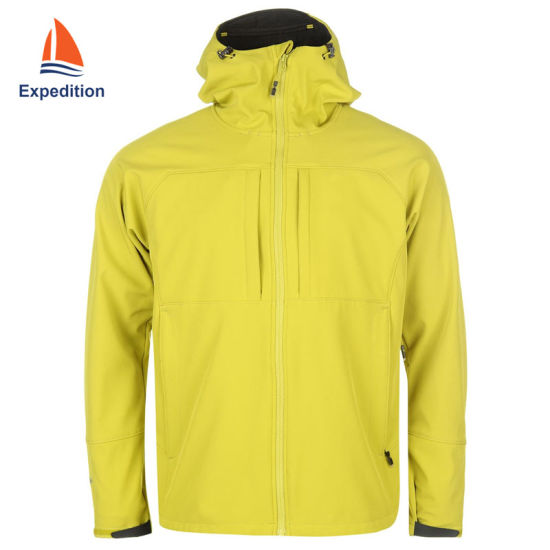 Men's Fashion Designed Softshell Jacket, Casual Jacket, Autumn Jacket for Leisure and Outdoor Activity with Waterproof Breathable and Windproof
