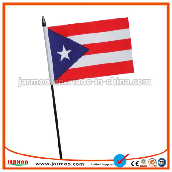 China Wholesale Cheap Small Custom Hand Held Flags for Sport or