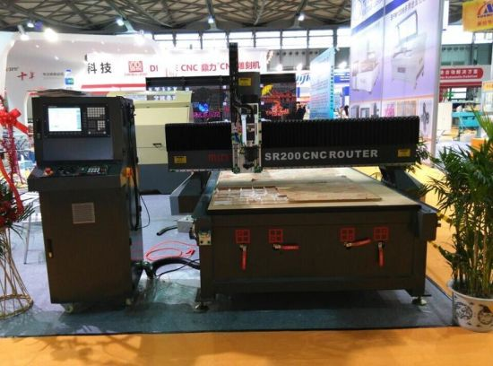 Worldwide Selling CNC Engraving Machine Acrylic Cutting CNC Router pictures & photos