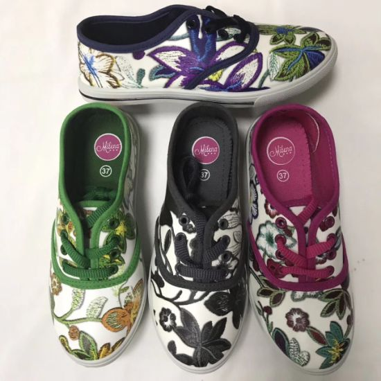 New Style Injection Women Flower Embroidery Canvas Shoes