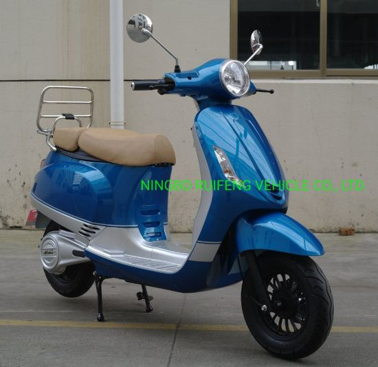 Latest Designed Elegant EEC Electric Scooter L1e L3e Type 60km/H pictures & photos