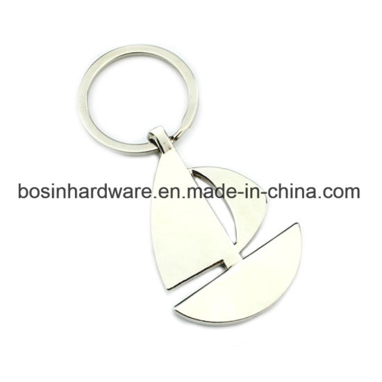 Customized Zinc Alloy Metal Sailboat Keychain pictures & photos