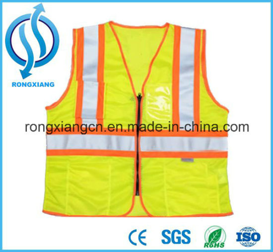 Reflective Flashing LED Light Safety Vest for Roadway Safety pictures & photos