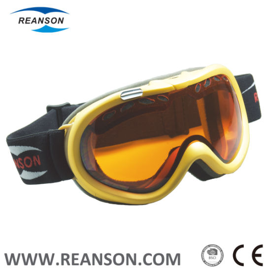 Colorful Double Spherical Lenses Professional Skiing Goggles pictures & photos