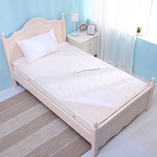 New Fashion White Color Disposable Bedding Set Fabric Bed Duvet Cover Set 3PCS pictures & photos