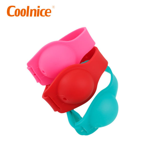 Fast Shipment Adjustable Refillable Silicone Wristband for Hand Sanitizer