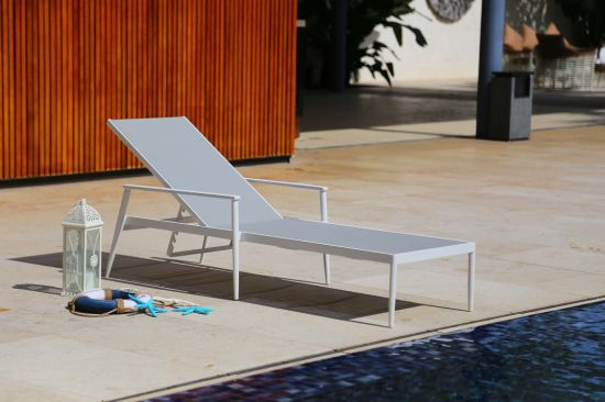 Comfortable Lounger with High Quality Rattan Weave (accept customized)